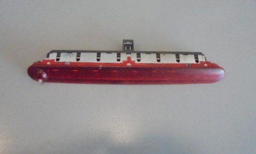 Sostituire lo stop centrale alto (terzo stop) della Lancia Ypsilon 2003 2010